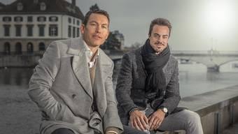 Zuerst bringen sie die Kinder in die Schule. Danach reden Stephan Lichtsteiner und Diego Benaglio über alte Zeiten.