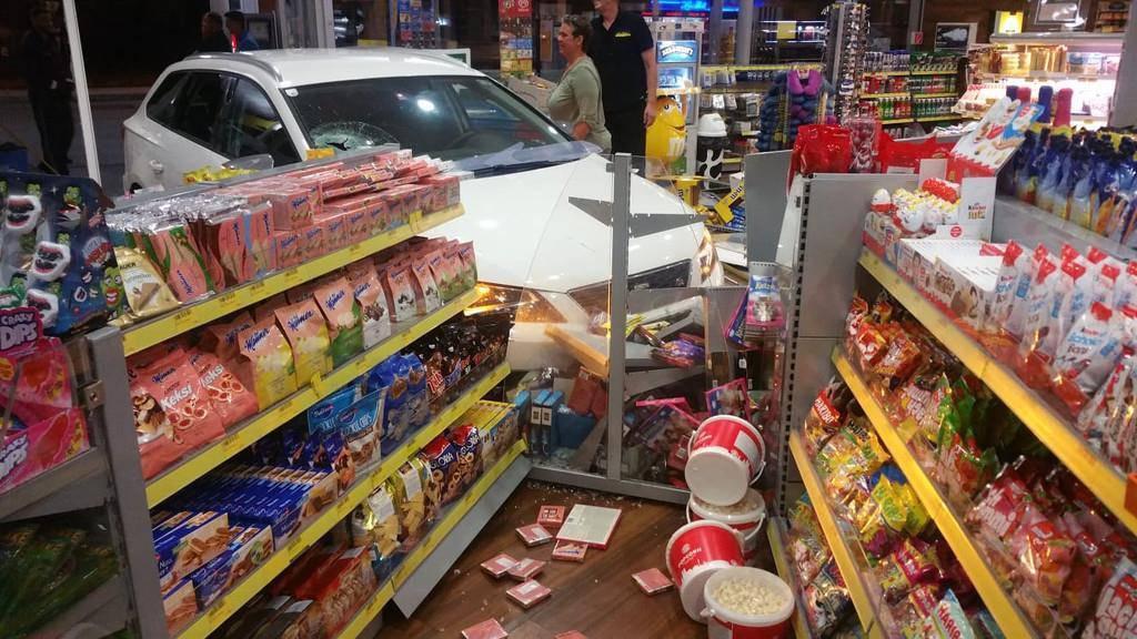 Es enstand ein erheblicher Sachschaden. (© OCW Oberscheider Carworld)