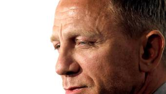 """Der Bond-Darsteller Daniel Craig hat an seiner eigenen körperlichen Fitness gezweifelt, bevor er sich entschieden hat für den aktuellen Bond """"No Time to Die"""" noch einmal in die Rolle des 007 zu schlüpfen. Der Grund: Bei den Dreharbeiten zu """"Sprectre"""" hatte er sich das Bein gebrochen. (Archivild)"""