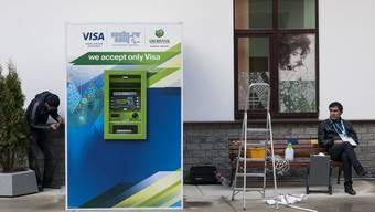 US-Kreditkartenfirmen sollen in Russland tätig bleiben - das will der Kreml.