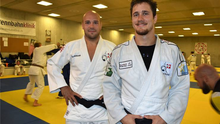 Die Brugger Judokas Ciril Grossklaus (rechts) und Patrik Moser bereiten sich im Sportausbildungszentrum Mülimatt in Windisch auf die WM in Baku vor. Larissa Hunziker