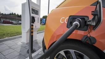 Volkswagen will einen E-Kleinwagen auf den Markt bringen, der unter 20'000 Euro kostet. (Archivbild)