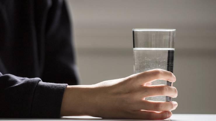 Das Trinkwasser in Messen ist mit Chlorothalonil belastet. (Symbolbild)