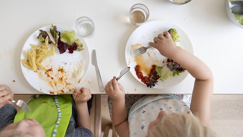 In Appenzell Ausserrhoden sollen erwerbstätige Eltern finanziell unterstützt werden, wenn sie ihre Kinder extern betreuen lassen. (Symbolbild)