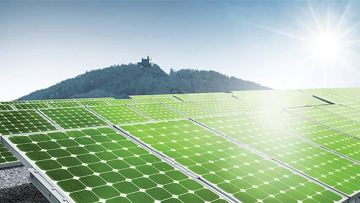 156 Solarpanels entstehen auf dem Dach der Säliturnhalle. Symbolbild/Zvg