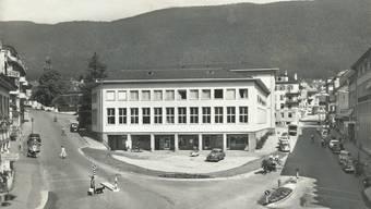 Der Postplatz mit der «neuen Post» in den späten 1950er-Jahren