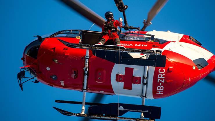 Auf der Lägern musste ein Wanderer von einem Rega-Helikopter geborgen werden. (Symbolbild)