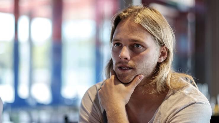 Birkir Bjarnason behält stets die Ruhe, ob auf dem Rasen oder beim Interviewtermin.