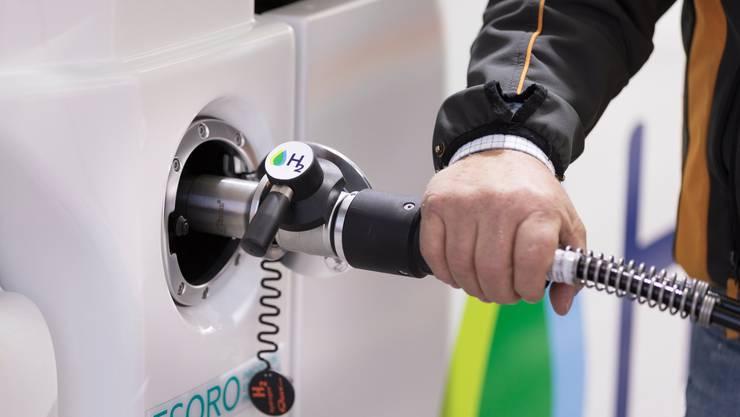 Mittels eines neuen Katalysators könnten Wasserstoff-Fahrzeuge langlebiger gemacht werden. (Symbolbild)