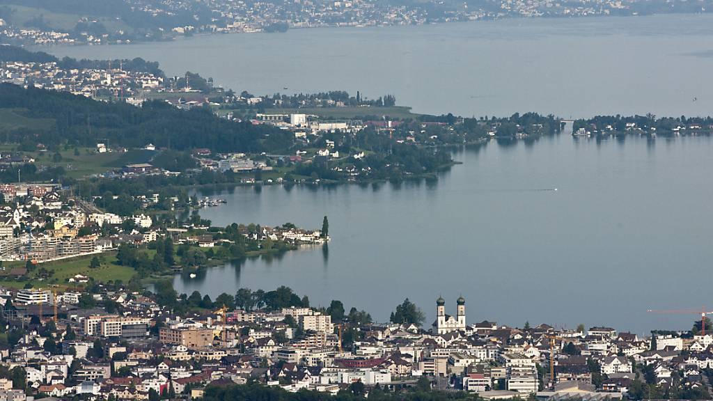 Die Gemeinde Lachen SZ am Zürichsee erlässt eine Planungszone, um gegen die Umnutzung von Wohnungen in Gemeinschaftsunterkünfte vorgehen zu können. (Archivbild)