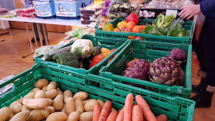 Lebensmittelabgabe durch ASW - in Langnau a.A.