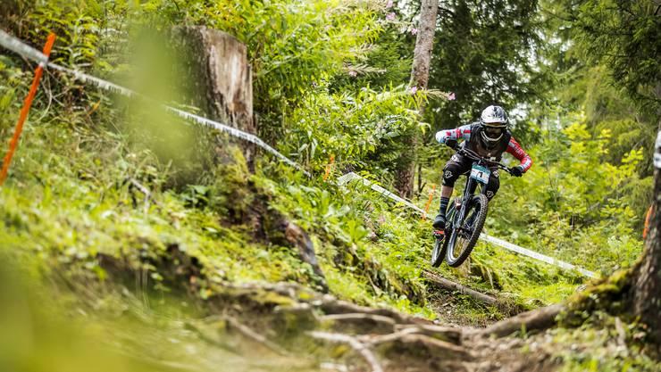 Action Downhill mit Noel Niederberger.