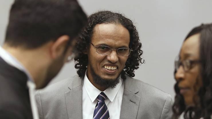Ahmad Al Faqi Al Mahdi im Gespräch mit seinen Anwälten