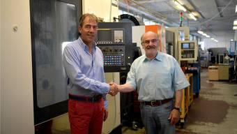 Daniel Graf (links) übernimmt die Firma von Peter Bisang (rechts).