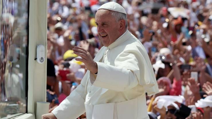 Papst Franziskus bei seiner Messe in Guayaquil, der ersten seines Südamerika-Besuches.