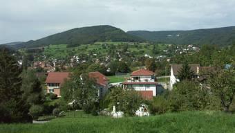 Blick von Erlinsbach AG hinüber nach Erlinsbach SO mit dem Gugen