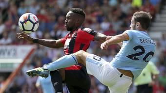 Zweikampf im Spiel zwischen Bournemouth und Manchester City