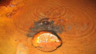 Das Wasser sprudelt in 2,4 Kilometer Tiefe