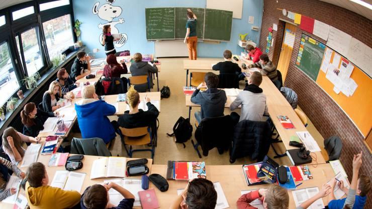 Ein umstrittene Lehrmittel für Französisch wird nicht eingesetzt. (Symbolbild)