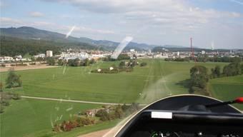 Hier ein Landeanflug auf den Flugplatz im Gheid, im Hintergrund ist die Stadt Olten erkennbar. Bilder: zvg