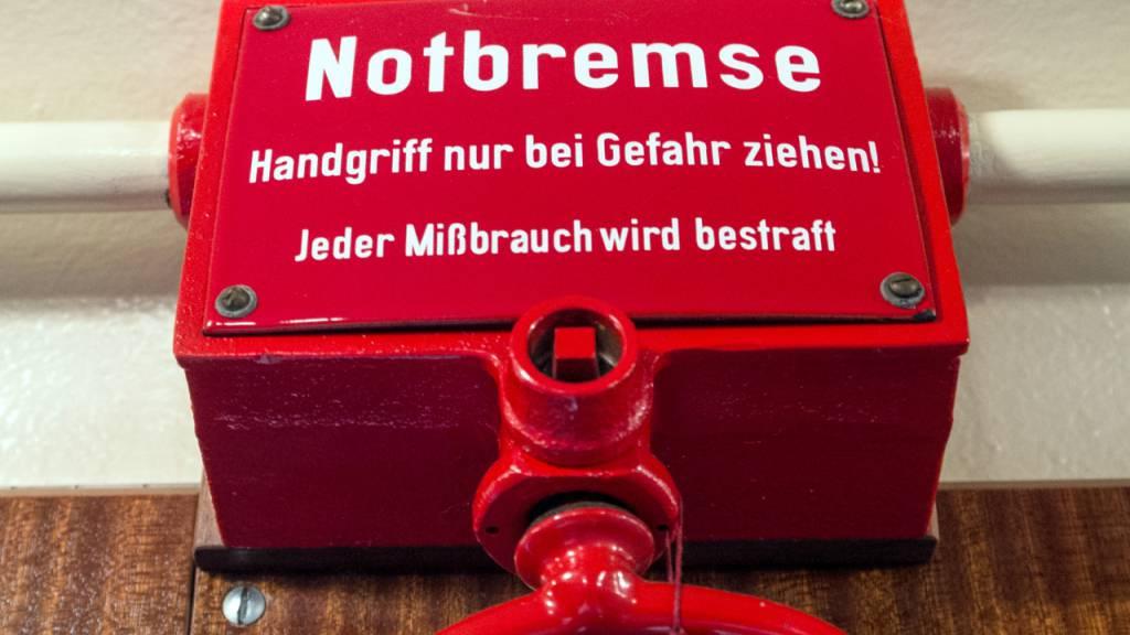 Deutsches Parlament beschliesst Notbremse gegen dritte Corona-Welle