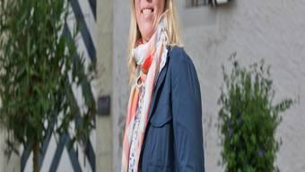 Wiedereinstieg geglückt: Alexandra Zürcher vor dem Brugger Salzhaus.