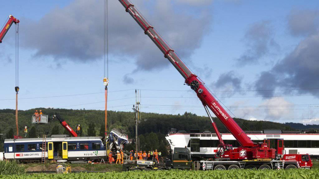 Nach dem Zugunfall von Granges-Marnand VD wurde ein Lokführer wegen fahrlässiger Tötung und fahrlässiger Körperverletzung schuldig gesprochen. (Archivbild)
