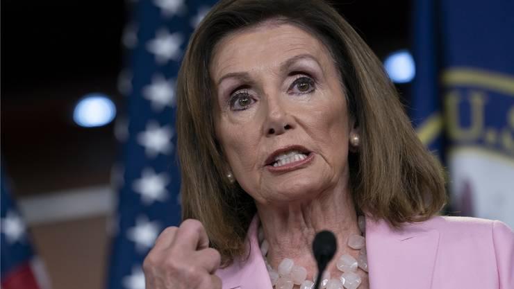 Die Präsidentin des Repräsentantenhaus Nancy Pelosi lässt weiter gegen Trump ermitteln. Bild: J. Scott Applewhite/AP (Washington, 12. September 2019