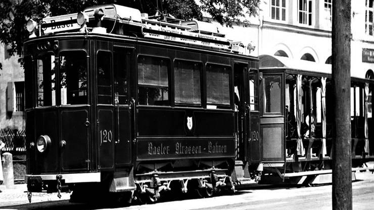 Tram 1917 in der Baselstrasse in Riehen. Ab 1919 fuhr es bis Lörrach.Sammlung Johannes Wenk-Madoery/Dokumentationsstelle Gemeinde Riehen