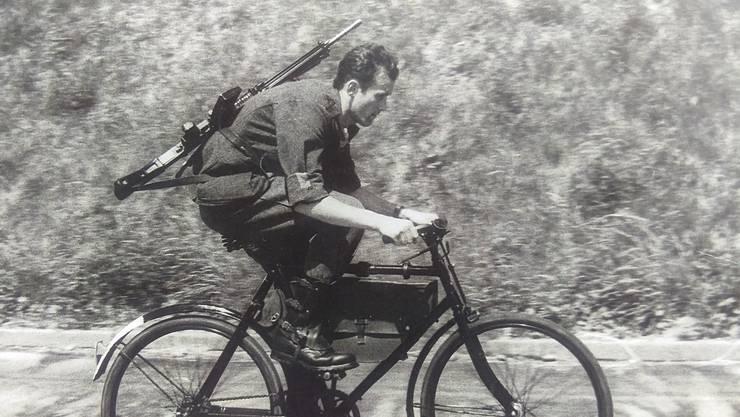 Militär-Radfahrer Dössegger vor rund 60 Jahren