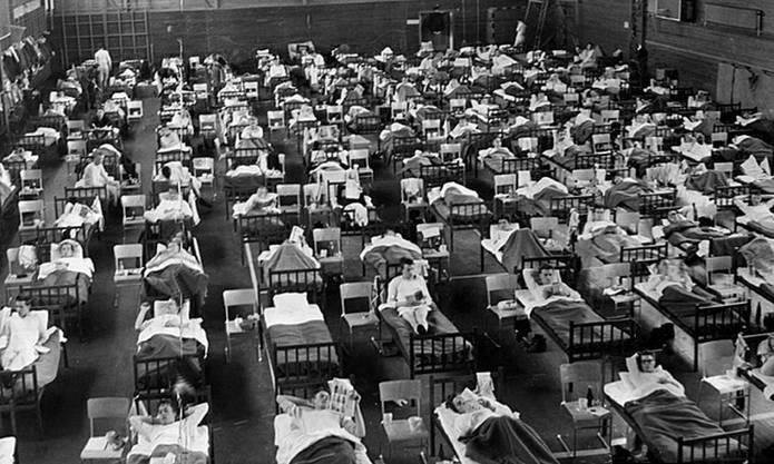 Notlazarett in einer Turnhalle in Schweden während der Asiatischen Grippe, 1957.