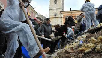 Bürgerdemo Monate nach der Zerstörung von L'Aquila