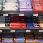 Objekt der Begierde: Viele Kunden greifen vor dem Bezahlen an der Kasse gerne in der so genannten Quengelzone zu und kaufen im letzten Moment noch eine Süssigkeit. Das passt nicht allen.