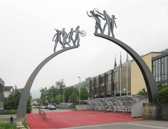 Kreisschule Rheintal-Studenland: Rechts befindet sich das Oberstufenschulhaus.