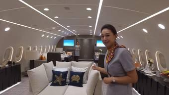Aviatik-Blogger Sam Chui konnte den Luxus-Vogel erkunden – und hat zum Glück ein Video gemacht.