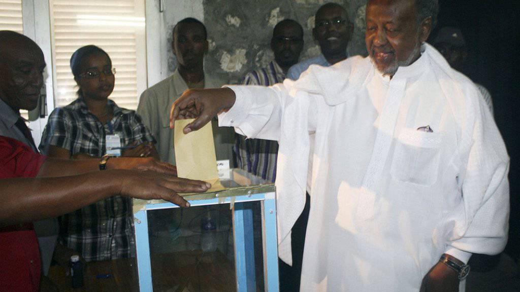 Präsident Ismail Omar Guelleh bei der letzten Wahl im April 2011. (Archivbild)