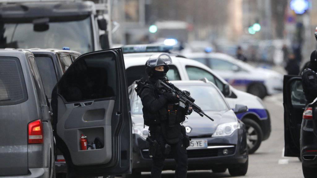 Die französische Eliteeinheit Raid hat in der Nacht auf Mittwoch eine Geiselnahme in einem Gefängnis in Nordfrankreich beendet. (Archivbild)