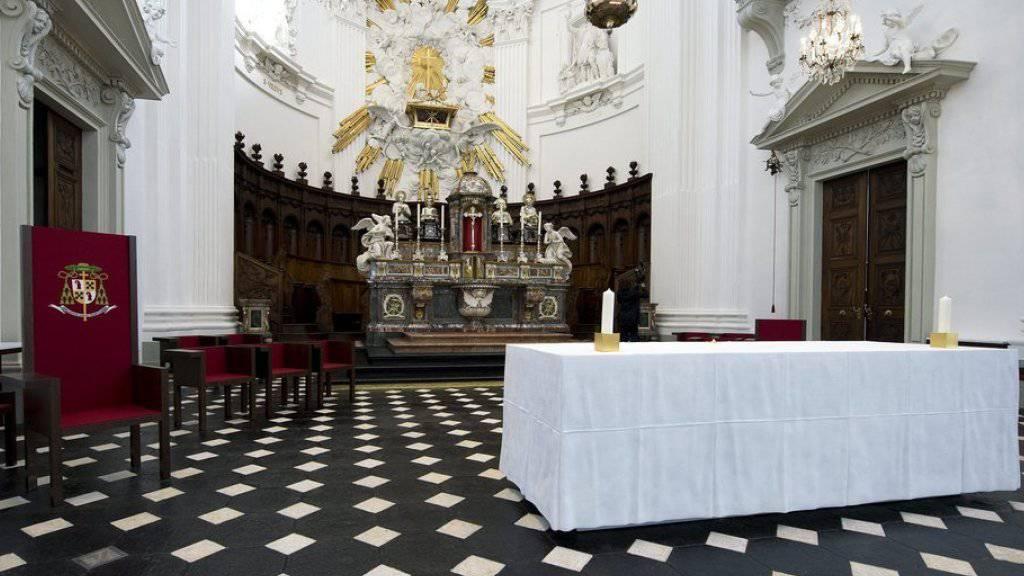 Die St.-Ursen Kathedrale in Solothurn musste nach dem Brandanschlag während mehreren Monaten renoviert werden (Archivbild).