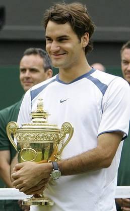 Der dritte Titel in Folge: Federer gewinnt den Wimbledon-Final 2005 gegen Andy Roddick.