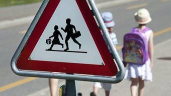 Beim Bahnhof Lenzburg wurde am vergangenen Donnerstag eine 2.-Klässlerin von einem 53-jährigen Mann angesprochen (Symbolbild)