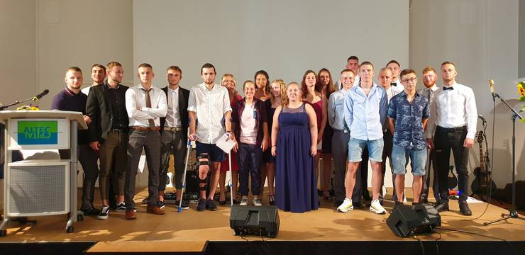 21 erfolgreiche Prüfungsabsolventinnen und -absolventen des SMGV Kanton Solothurn haben ihre Diplome entgegengenommen.
