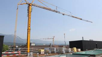 Auf Dach des «Perron 1» in Solothurn wird Photovoltaikanlage installiert