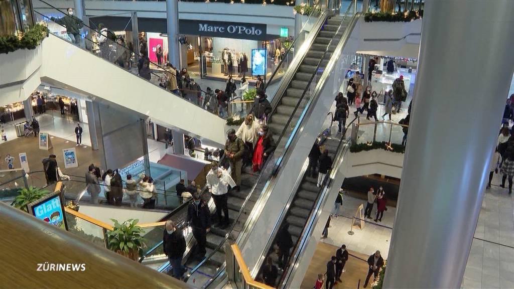 Shoppingstress auch an Heiligabend während Corona