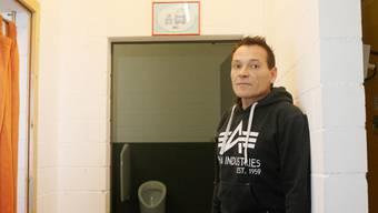 Christoph Gerber, Co-Geschäftsführer des «Nilpfi», in besagter Toilette.