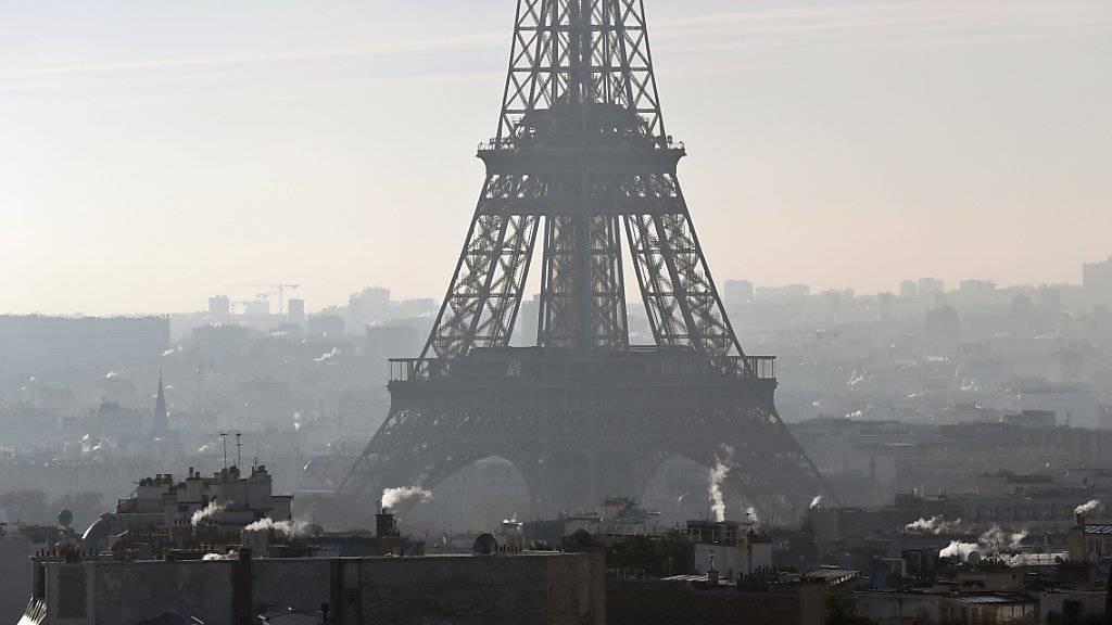 Wegen einer Schlägerei mit Todesfolge in Paris ist der französische Rapper MHD in Untersuchungshaft genommen worden. (Symbolbild)