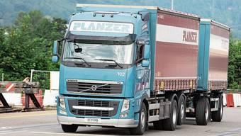 Der Autor würde gerne den Lastwagen-Chauffeuren applaudieren.