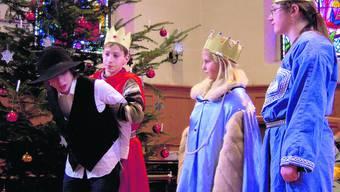 Wollen ihn besänftigen: Die heiligen drei Könige trauen Petrus nicht. Betty ott