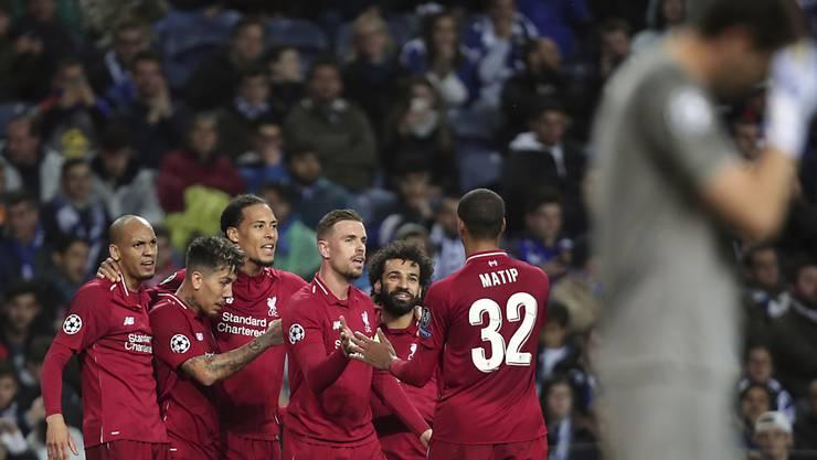 Nach dem 2:0 im Hinspiel lässt der FC Liverpool (ohne Xherdan Shaqiri/Ersatz) auch in Portugal nichts anbrennen und bezwingt den FC Porto mit 4:1. Im Halbfinal treffen die Engländer auf den FC Barcelona