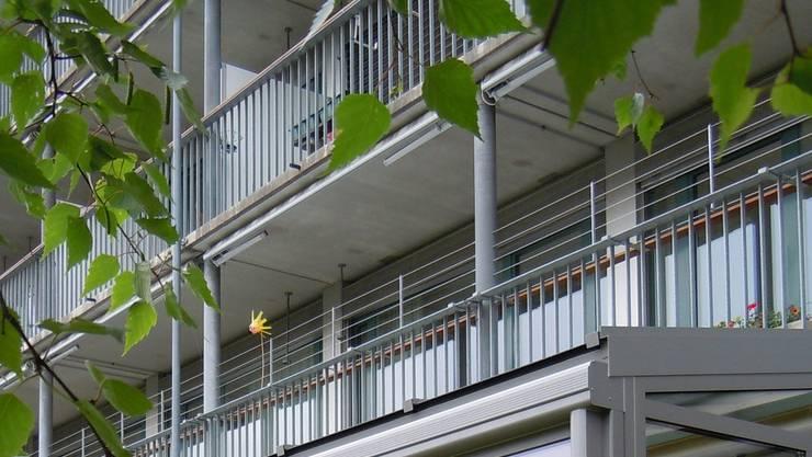 Bald ist der neue Wintergarten vor dem Altersheim fertig gebaut. EF.