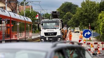 Besonders viel Stoff für Diskussionen liefert das Verkehrsregime bei der Baustelle auf der Baselstrasse in Feldbrunnen.
